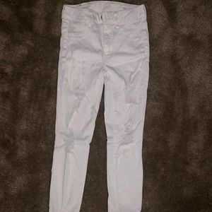 White American Eagle destressed jeans